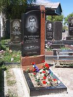 """Памятник из гранита с портретом """"Монумент"""""""