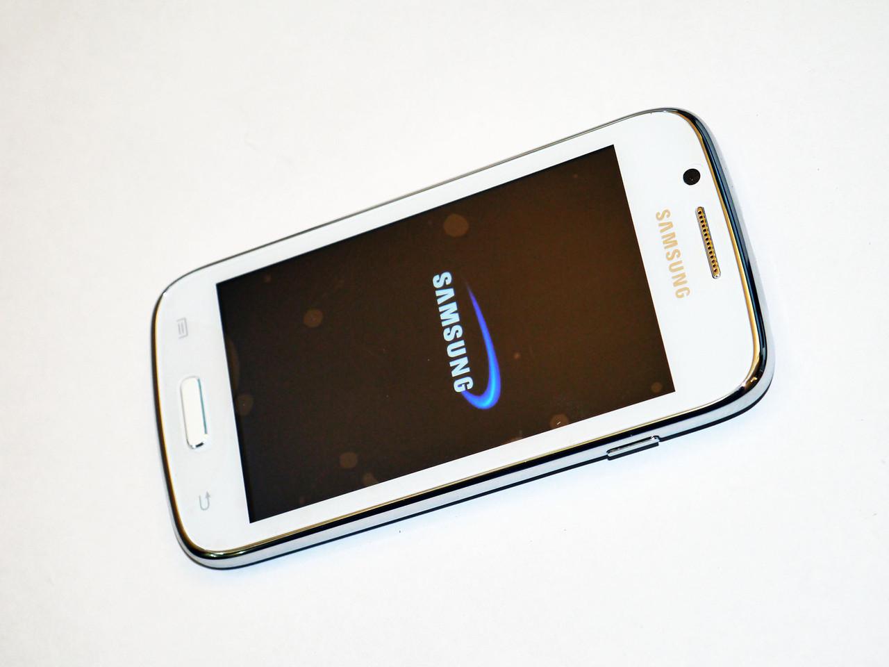 "Телефон Samsung GT-i8260 - 4.3'"" + 2Ядра + 2Sim + Android"
