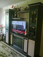 Стенка с камином и нишей под телевизор