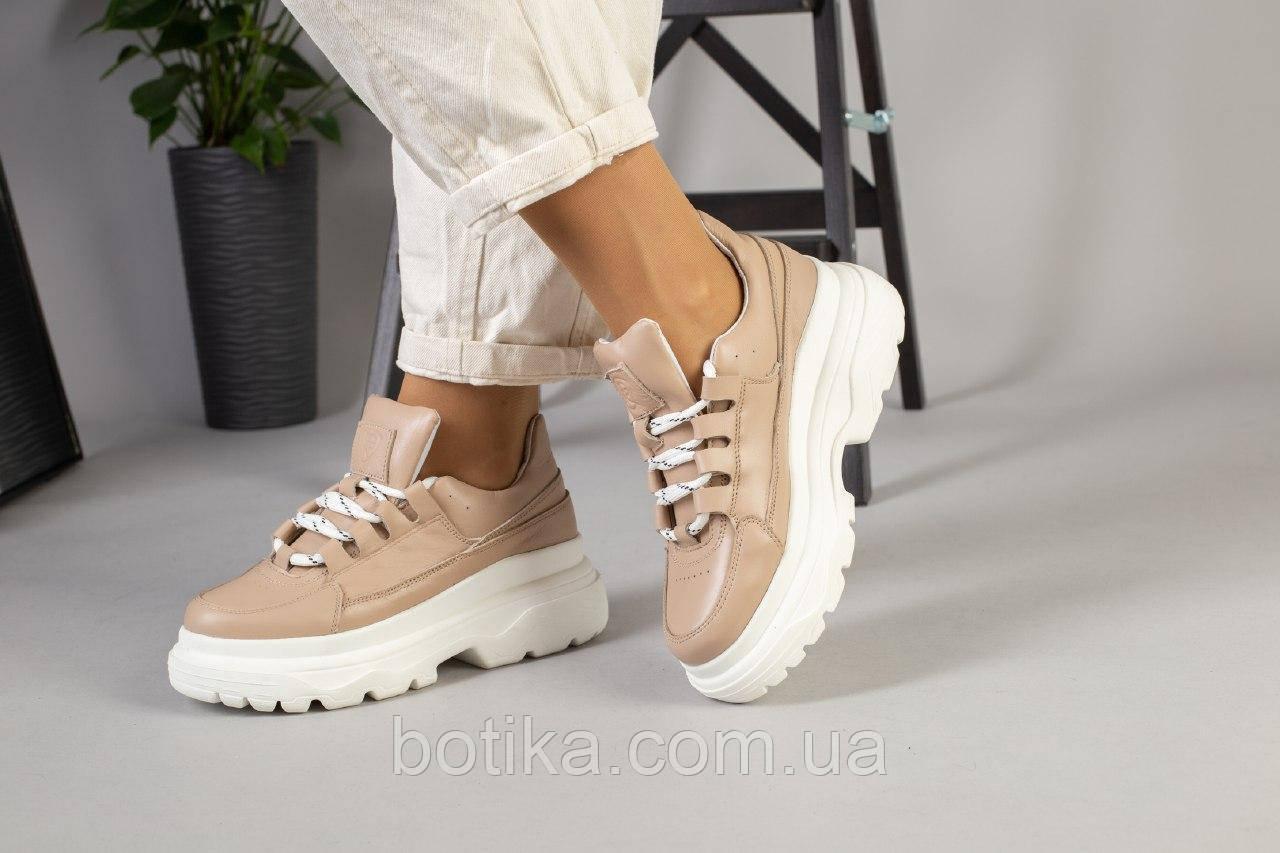 Очень крутые  женские кроссовки на шнуровке
