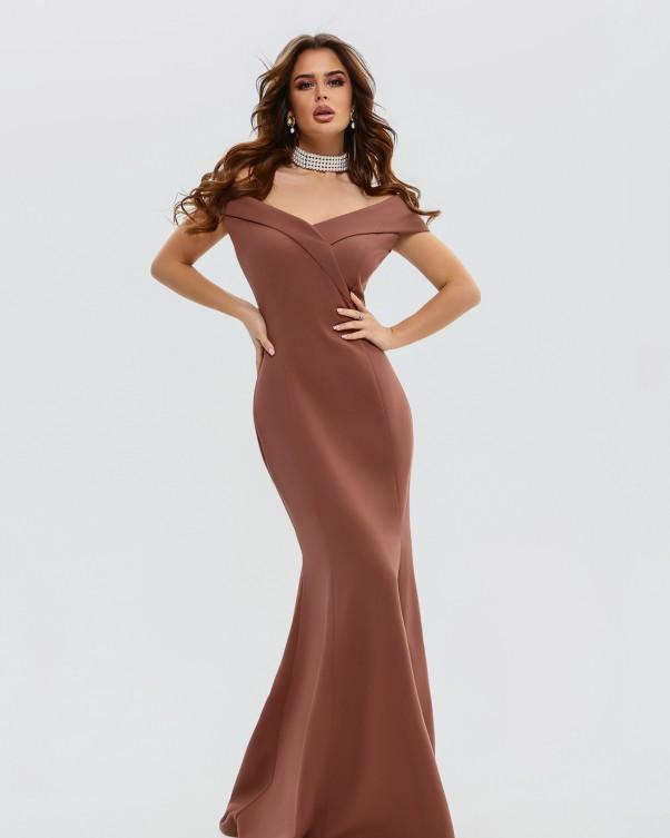 Нарядное коричневое платье с открытыми плечами L