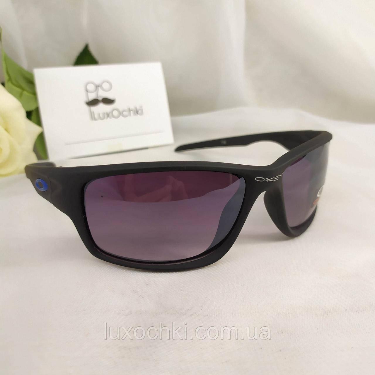 Спортивні сонцезахисні окуляри Oakley