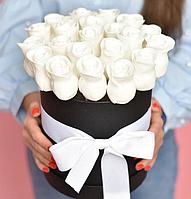 Съедобные розы в шляпной коробке - 13 шт - вкусный подарок