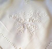 """Скатертина біла вишита """"Білі Квіти""""180*140 см"""