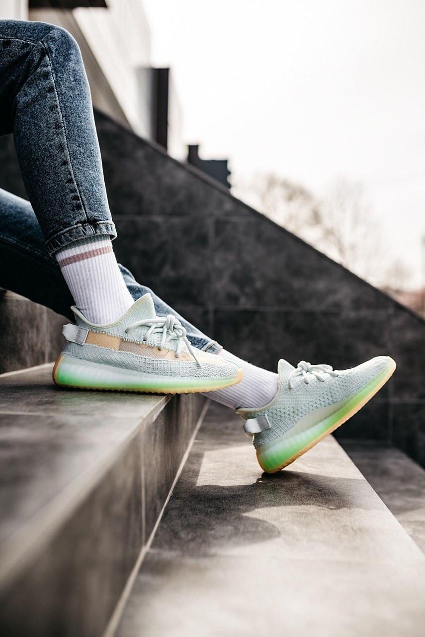 """Стильные кроссовки Adidas Yeezy Boost 350 V2 """"Haperspace"""" (Адидас Изи Буст 350)"""