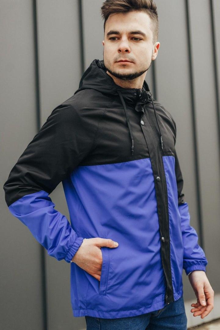 Мужская куртка-ветровка с капюшоном  (черно/синяя)
