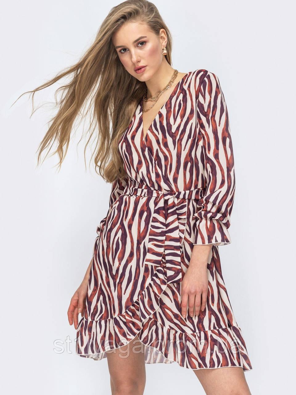 Платье из шифона на запах с принтом