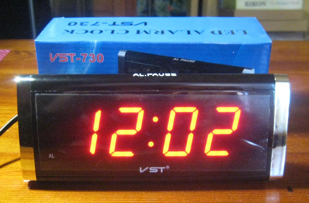 Часы настольные электронные VST-730 (красная подсветка)