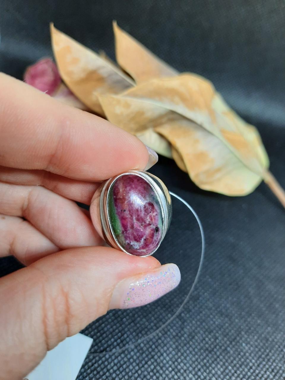 Рубин в породе цоизит кольцо овал с рубином 18,8 размер природный рубин в серебре Индия