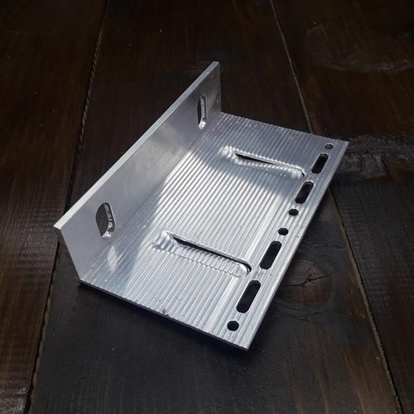 Кронштейн алюминиевый для вентилируемых фасадов 90х150х40х3/4