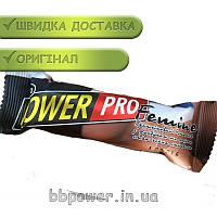 Батончик Power Pro Femine Bar с фундуком и арахисом 60 г черная смородина