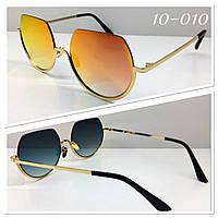 Стильные солнцезащитные зеркальные очки оранжевые