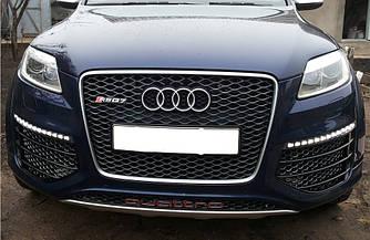Решетка радиатора Audi Q7 4L (06-15) стиль RS (рамка серебро)