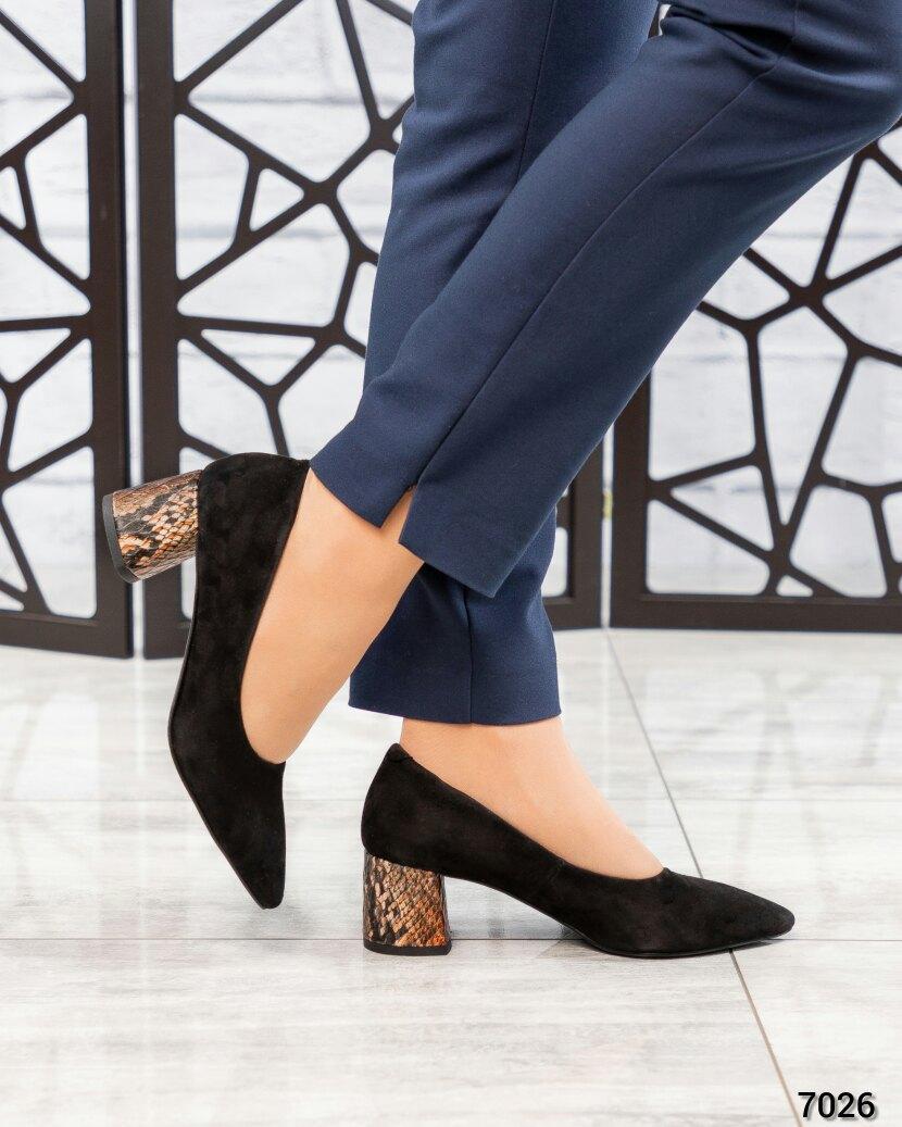 Туфли на среднем каблуке женские черные. Размер 36 37
