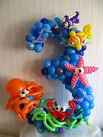 Цифра из воздушных шаров в морском стиле
