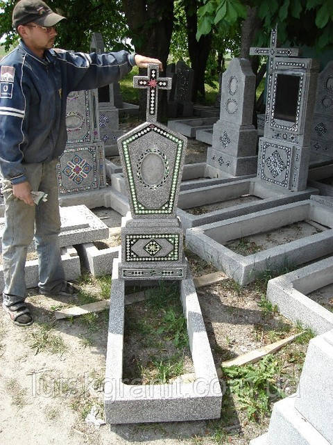 Как чистить памятники из мраморной крошки купить памятники из гранита в новотитаровской краснодаре