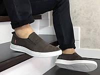 Кросівки чоловічі Levis коричневі