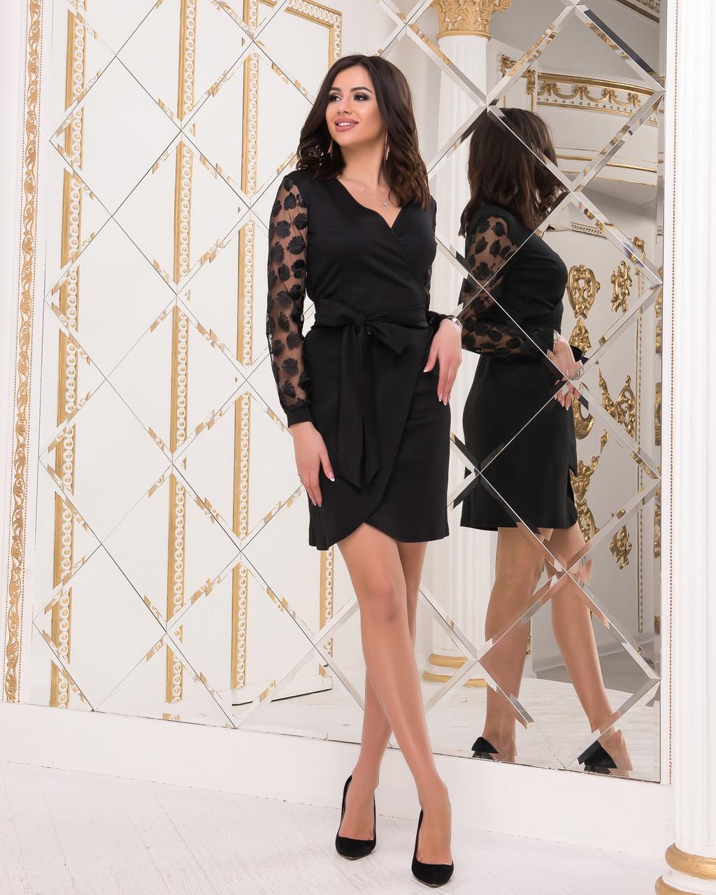 Красиве жіноче плаття з трикотажу і гіпюру