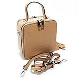 Коричневая мини сумка женская кожаная маленькая квадратная через плечо из натуральной кожи с кисточкой, фото 5