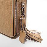 Коричневая мини сумка женская кожаная маленькая квадратная через плечо из натуральной кожи с кисточкой, фото 7
