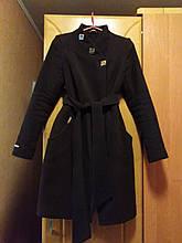Красиве жіноче пальто шоколадного кольору