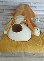 Игрушка собака светло коричнивое внутри с пледом 110х160 см Х-880