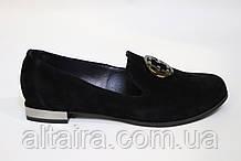 Женские туфли-мокасины, лоферы на невысоком каблучке, черный из натуральной замши. Жіночі туфлі-мокасини,
