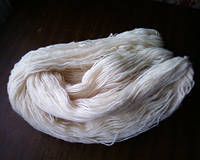 Пряжа из овечьей шерсти (белая)