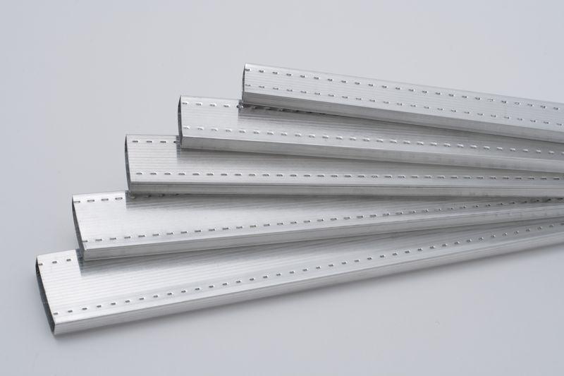 Дистанційна рамка для склопакетів