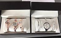 Женские наручные часы с браслетами в подарочной упаковке