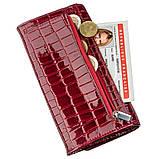 Женский кошелек красный лаковый под экзотику 17373 KARYA Красный, фото 5