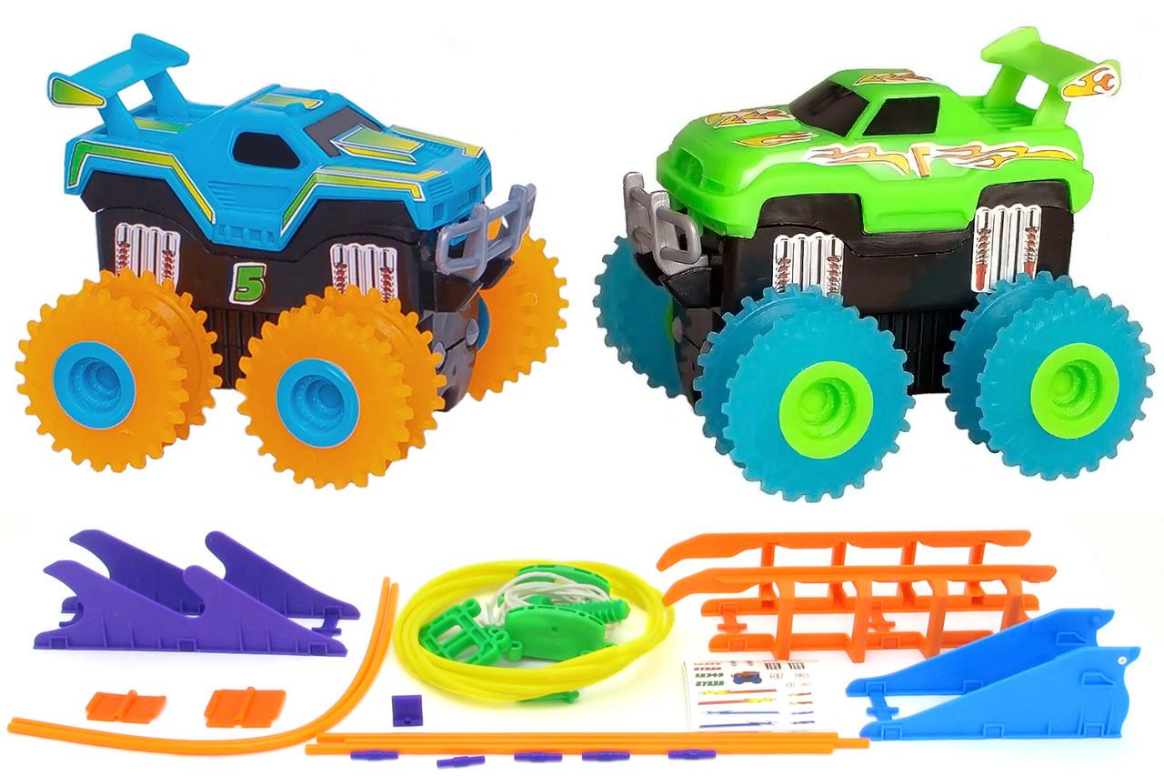 Машинки на бат. Trix Trux набір 2 машинки з трасою (синій+зелений)