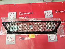 Решетка бампера нижняя Renault Logan ф2. (Original 8200752803)