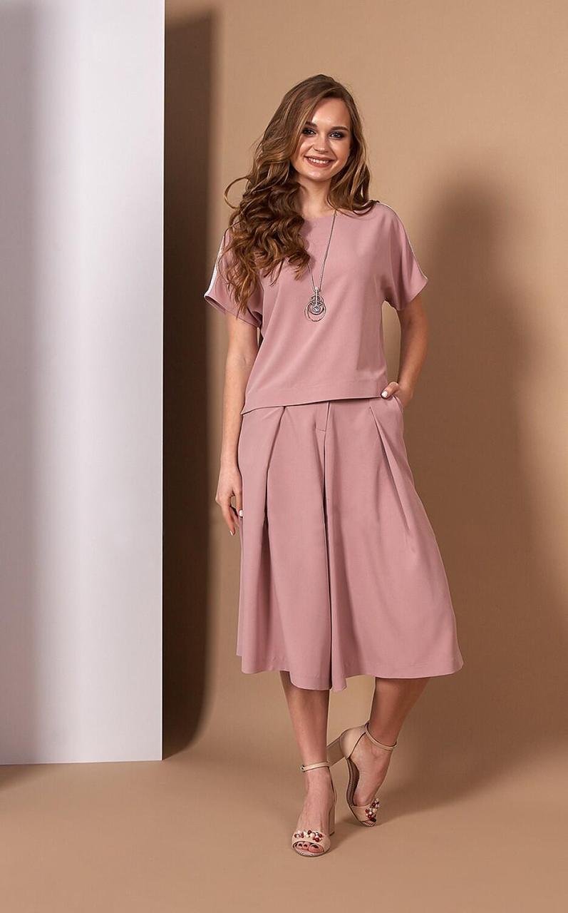 Стильний пудровий костюм з блузою і кюлотами Style-nika Алеканто.