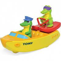 Tomy Игрушка для ванной комнаты Крокодил на водных лыжах, T72358