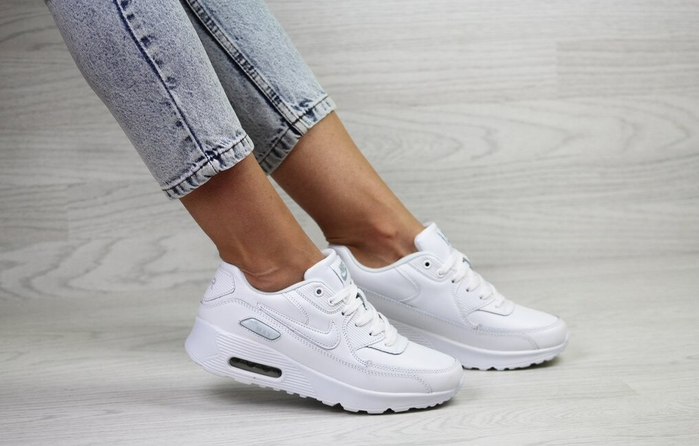 Білі жіночі шкіряні кросівки в стилі найк аір макс Nike Air Max 90