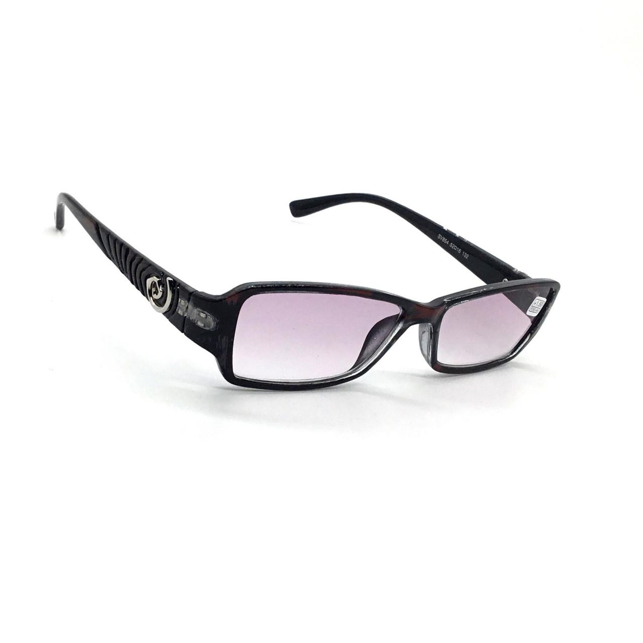 Женские очки в пластмассовой оправе с тонированной линзой