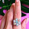 Серебряный комплект: серьги и кольцо в виде цветка с разноцветными кристалами, фото 7