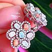 Серебряный комплект: серьги и кольцо в виде цветка с разноцветными кристалами, фото 2