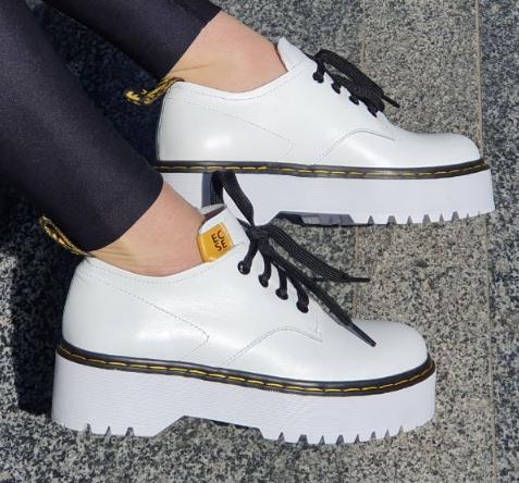 Туфлі жіночі на платформі Inshoes білі