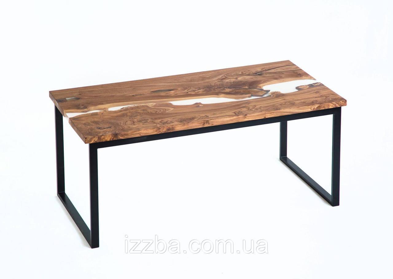 Стол из слэбов натурального дерева с эпоксидной смолой