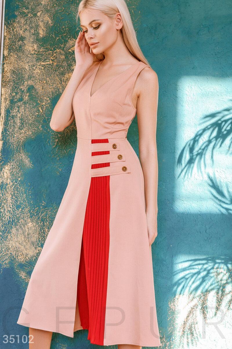 Изящное платье длины миди с вставкой