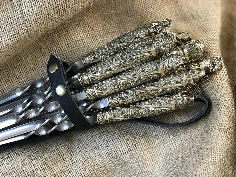 """Шампура подарочные с бронзовыми ручками """"Царская дюжина"""" в колчане из натуральной кожи"""