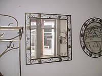 Кованое зеркало квадратное большое.