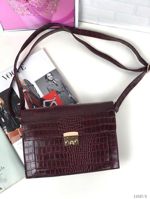 Маленькая бордовая женская сумка клатч стильная сумочка через плечо кроссбоди рептилия экокожа