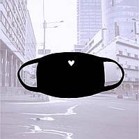 Многоразовая черная тканевая маска с сердечком