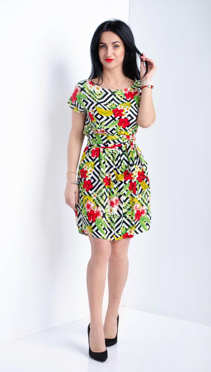 Летнее платье с оригинальным принтом