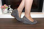 Туфли женские серые замшевые на танкетке Т061, фото 4