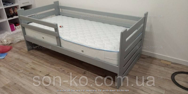 Дитяче ліжко з масиву бук Марко в сірому кольорі