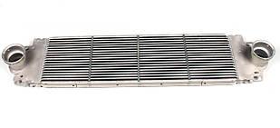 Радиатор интеркулера VW T5 1.9 / 2.5 / 2.0 Фольксваген Т5, Т6 NRF 30354 (Нидерланды)